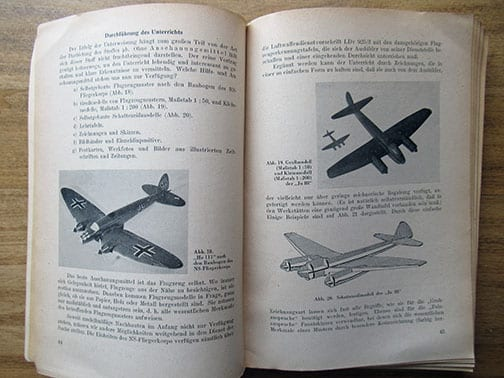1942 BOOK ON MODEL AIRPLANES