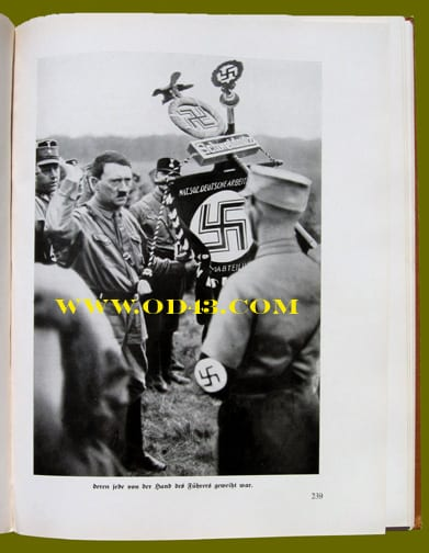 PHOTO BOOK ON THE STRUGGLE FOR POWER