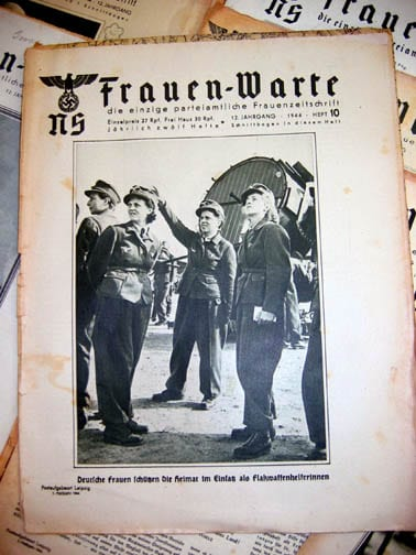 SET OF LATE WAR 1943/1944 NS-FRAUENWARTE PERIODICALS